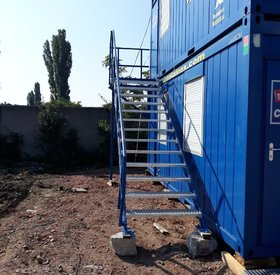 Steel stairs for containers
